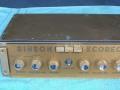 Binson Ecorec 1955, Gold Plexi front. Vroege 6 knops uitvoering met verzonken koppenplaat en nog zonder toonregeling. Op display staat nog Ecorec, later gewijzigd in Echorec.