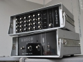 Binson buizen Black Plexi, front. Boven een Pre-Mixer P.A. 602-6 1969, 6 kanalen, 1 Send en return. Onder een 100 watt Poweramp P.O. 601.