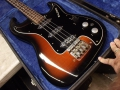 Burns Baldwin Jazz Bass 1965, body met 3 pickups in original case.