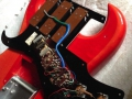 Burns Bison 1964 met 3 pickups in Trans Red finish, scratchplate open.