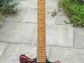 Burns Sonic 1960 met Aristone label, een London's bedrijf dat banjo's, ukeleles en archtop acoustic gitaren maakte sinds 1930.