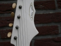 Burns Vista-Sonic 1962 White, headstock front.