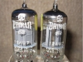 Brimar 12AU7 (=ECC82 ) dual-triode voor preamps. Made in England.