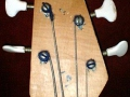 Burns-Weill Super Streamline bass 1959, headstock van Gent tuners, front.