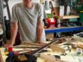Barry Gibson in zijn atelier.