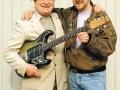 Jim Burns met zijn opvolger Barry Gibson.