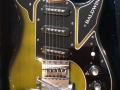 Baldwin Marvin green UK 1968 met barmagnetic pick ups, body front.