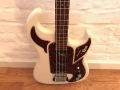 Burns Shadow bas Rezomatic pick ups 1965 White, body front.