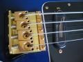 Brug Burns Legend Shadows bass in Blueburst met golden hardware gebruikt door Jet Harris.