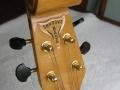 Kop Burns Legend Shadows bass in Blueburst met golden hardware gebruikt door Jet Harris.