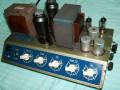 Dynaphon MV1 1955 15-30 watt, 5 knops muziekversterker, chassis  rechts met 7 buizen (EZ12, EM72, EF40, 2x ECC40, 2x EL12).