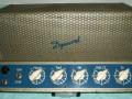 Dynaphon MV1 1955 15-30 watt, 5 knops muziekversterker met 7 buizen (EZ12, EM72, EF40, 2x ECC40, 2x EL12), ingebouwde radio ontvanger, 4 inputs en 4 outputs, front.