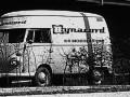 Dynacord VW bus voor het fabrieksgebouw.