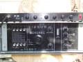 De selfmade PB Box van Patrice Bastien (Guitar Express) boven op een Binson echo. Dit effect emuleert en equalized moderne Vox amps naar de early AC 15 sound.