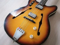 Princess bas 2EBM1  in Sunburst, 2 Powertone pickups 1963, 2 toggle switches,  brede headstock,  body front.
