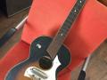 Egmond semi acoustic, donker sunburst, een der eerste 1957, front.