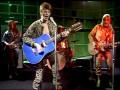 David Bowie  tijdens Starman uitvoering in BBC Top of the Pops 1972 met zijn Egmond 12 string in Blue refinished.