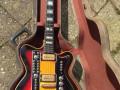 The Moltar Organ gitaar 1968, gebouwd door Jan Mol gitarist van The Ramblers en Jaap van Egmond,  in originele koffer.