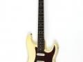 Fender Stratocaster Olympic White 1964, rosewood toets, tortu slagplaat, soortgelijk als Hank en Bruce gebruikten in 1963.