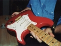 De echte Fender Stratocaster Fiesta Red 1959 serienummer 34346, met staggered Alnico pick ups. Gebruikt van eind 1959 tot maart 1961.