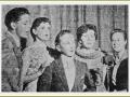 1956 Eerste optreden Harry Webb met The Quintones. Vanaf links Harry Webb, Freda Johnson, John Vince, Irene Fowler en Beryl M olineux.