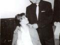 1960 Cliff Richard met Carol Costa (17 jaar) en getrouwd met Jet Harris in 1959. In 1960 had zij een korte verhouding met Cliff Richard.