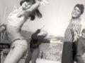 1963  Cliff Richard danst als Don met Una Stubbs in Summer Holiday.