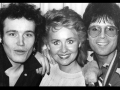 Cliff Richard, Lulu en Adam Ant bij de repetitie voor de Royal Variety Show 1981.