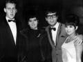 Cliff Richard met links Derek Bodkin zijn stiefvader (van 1966-1981), Cliff's  moeder Dorothy en zus Donna.