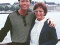 Cliff met zijn moeder Dorothy Webb.