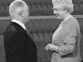 Uitreiking OBE door The Queen in Buckingham Palace oktober 2004.