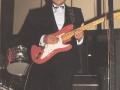 1990 september 17e Harmoniezaal avond, FBI een van de huisbands, sologitarist Roy Sourioroseno.