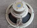 1958 Celestion's eerste Alnico speakers van 15 watt CT 3757 8 ohm, voorloper voor de latere T530, sprayed oyster hammertone voor Vox AC15 en AC30 single, nog geen magneet belcover. Koperdraad op de winding.