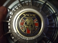 Vox Neodog 12 Century zicht op embleem.