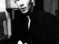 1958 Ian (Sammy) Samwell, The Drifters. Componist en rhytmgitarist van Move it. Na de komst van Hank en Bruce speelde Ian de basgitaar.  t.m. okt.