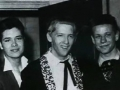 1958 april The Drifters backstage bij Jerry Lee Lewis, links manager John Foster. Hier al zonder Norman Mitham.