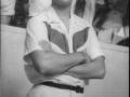 1958 juli Cliff Richard met zijn Red Flash shirt in Butlins Holiday Camp in Clacton on Sea.