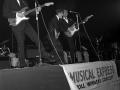 Winner Small Groups NME Readers Poll Awards 1960 The Shadows. Met Jet Harris en Brian Bennett.