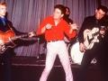 Early years met Shadows, Jet met zijn Besson (Framus) Star bas en Bruce met zijn Grimshaw.