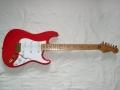 USA Custom Shop HM Signature 1990. Deze gitaar wordt wel de premature Signature gitaar genoemd omdat Hank niet tevreden was met de eigenschappen, er zijn er slechts 20 gebouwd tot in 1992 een verbeterde USA CS HM Signature beschikbaar kwam.
