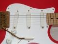 Detail met de Fender Lace Sensor Gold pick-ups van de premature Fender HM Signature USA 1990.