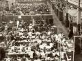 Mullard fabriek, kantine in Blackburn, grootste vestiging voor binnenlandse productie met 6000 medewerkers.