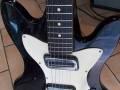 Meazzi Zephir gitaar 2 pickups en tremolo Hollywood serie Black 1965, body front.