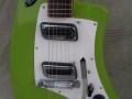 Meazzi Zodiac gitaar 2 pickups en tremolo Hollywood serie Green 1964, elzen body front.
