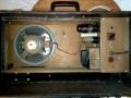 Jennings Univox Organ J7, 6 watt buizen poweramp met 5Y3 GT gelijkrichter en 2D21 eindbuis en 8 inch Plessey speaker, waarop trafo gemonteerd.
