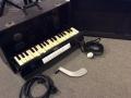 Jennings Univox Organ J7, houten toetsen, kniebediende volume bracket.