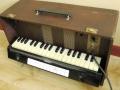 Jennings Univox Organ J7, houten toetsen.