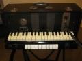 Begin vijftiger jaren bracht Jennings een J serie Univox orgeltjes uit met een 6 watt versterker en 8 inch speaker. Dit is het instrument waarmee de Tornado's in 1962 hun Telstar hit maakten.