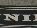 De badge met het nieuwe Jennings logo,