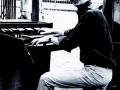Alan Hawkshaw (1937), speelde in de zeventiger jaren keyboard voor The Shadows en Cliff Richard. Ging mee op tournee naar Japan en werkte mee aan het album Shades of Rock.